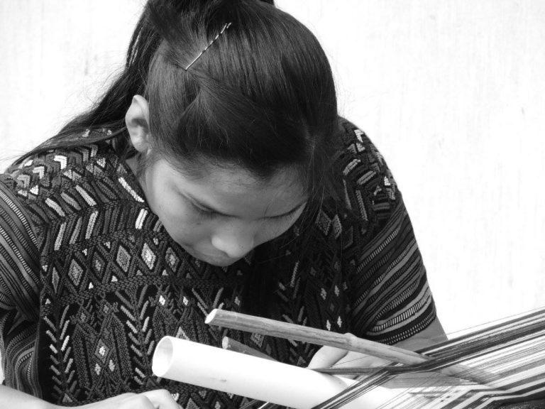 Mayan Guatemalan youth weaves tradition huipils (November 2015)